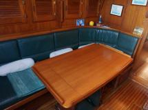 Cachito 39 - Table et banquettes de carré