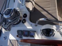Jeanneau 53 - Poste de barre bâbord