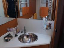 Jeanneau 53 - Salle d'eau de la cabine arrière