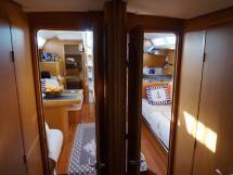 Jeanneau 53 - Portes de la cabine avant