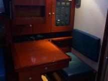 Hanse 531 - Table à cartes