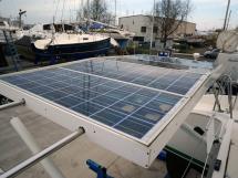 Nautitech 435 - Panneaux solaires sur portique