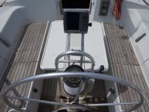 Oceanis 430 - Table de cockpit dépliée