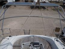 Oceanis 430 - Portique te panneaux solaires