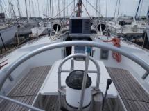 Oceanis 430 - Au poste de barre