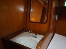 Oceanis 430 - Point d'eau des cabines