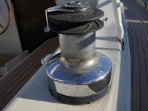 Santorin Ketch - Winch sur hiloire tribord