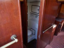 AYC - ISLANDER 55 Salle d'eau cabine arrière