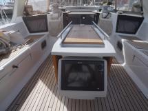 OCEANIS 45 - Cockpit et Traceur orientable