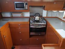 OCEANIS 55 - AYC International Yachtbrokers - Cuisine