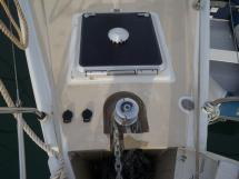 Universal Yachting 49.9 - Panneau de la soute à voiles
