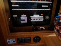 Universal Yachting 49.9 - Panneau électrique