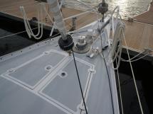Garcia 44 - Pont avant et baille à mouillage