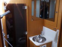 AYC - Jeanneau 57 - Salle d'eau