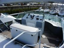 JXX 38' - Poste de barre de fly bridge