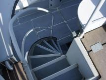JXX 38' - Escalier de fly bridge