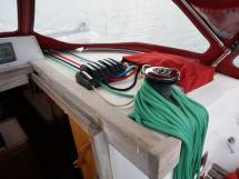 OVNI 395 - Winch de rouf tribord et bloqueurs