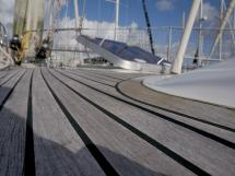 AYC Yachtbroker - Trintella 44 Aluminium - Teck du pont