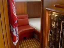 AYC Yachtbroker - Trintella 44 Aluminium - Entrée de la cabine arrière propriétaire