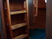 Dalu 47 - Echelle et panneau dans la cabine arrière