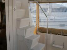 Mainship 40 Trawler Expedition - Escalier de flybridge