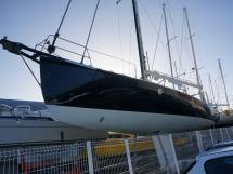 AYC Yachtbrokers - Tocade 50 - Peinture de coque neuve