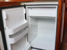 AYC Yachtbrokers - Tocade 50 - Réfrigérateur