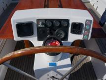 Horizon 70 - Instruments et commandes au poste de barre