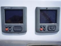 Sun Odyssey 54 DS - Electronique au poste de barre tribord