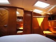 Sun Odyssey 54 DS - Vue depuis le lit dans la cabine propriétaire
