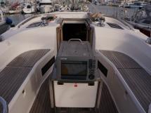 Bavaria 45 Cruiser - Traceur de carte rétractable au cockpit