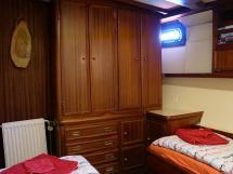 CCYD 75' - Cabine latérale à deux lits simples - rangement