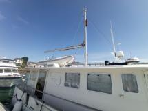 MY16 Trawler - Mât de charge et annexe