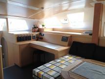 Flashcat 52s - AYC Yachtbroker - Table à cartes