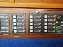 Meta Trawler 33 - Tableau électrique 12/24V