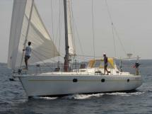 AYC - Universal Yachting 44 / Sous voiles