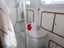OVNI 56 - Salle d'eau arrière