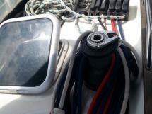 Sun Odyssey 42 DS - Winch de rouf bâbord