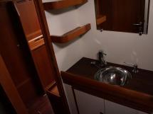Alliage 48 CC - Salle d'eau de la cabine avant