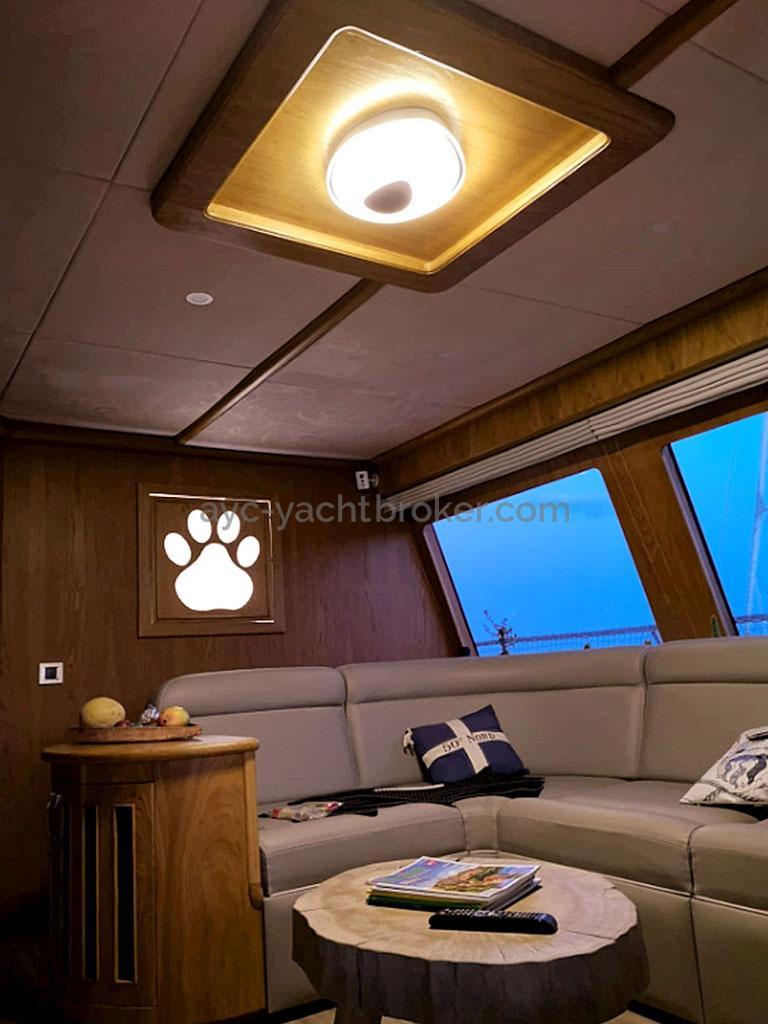 NG 66' Catamaran - Petit salon intérieur