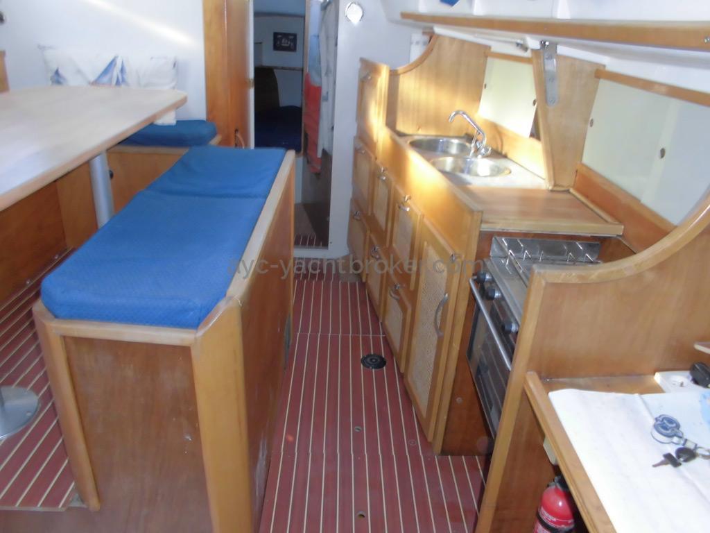 Bi-Loup 36 - Cuisine sur tribord