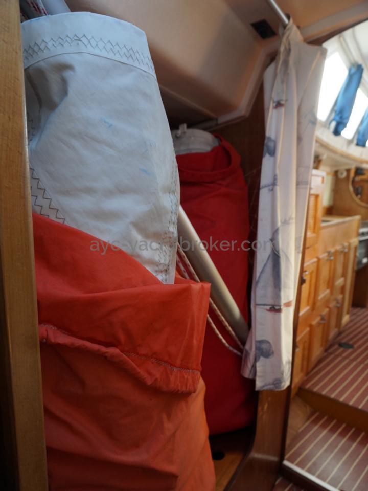 Bi-Loup 36 - Grand rangement tribord