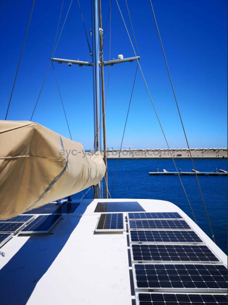 NG 66' Catamaran - Rouf et panneaux solaires