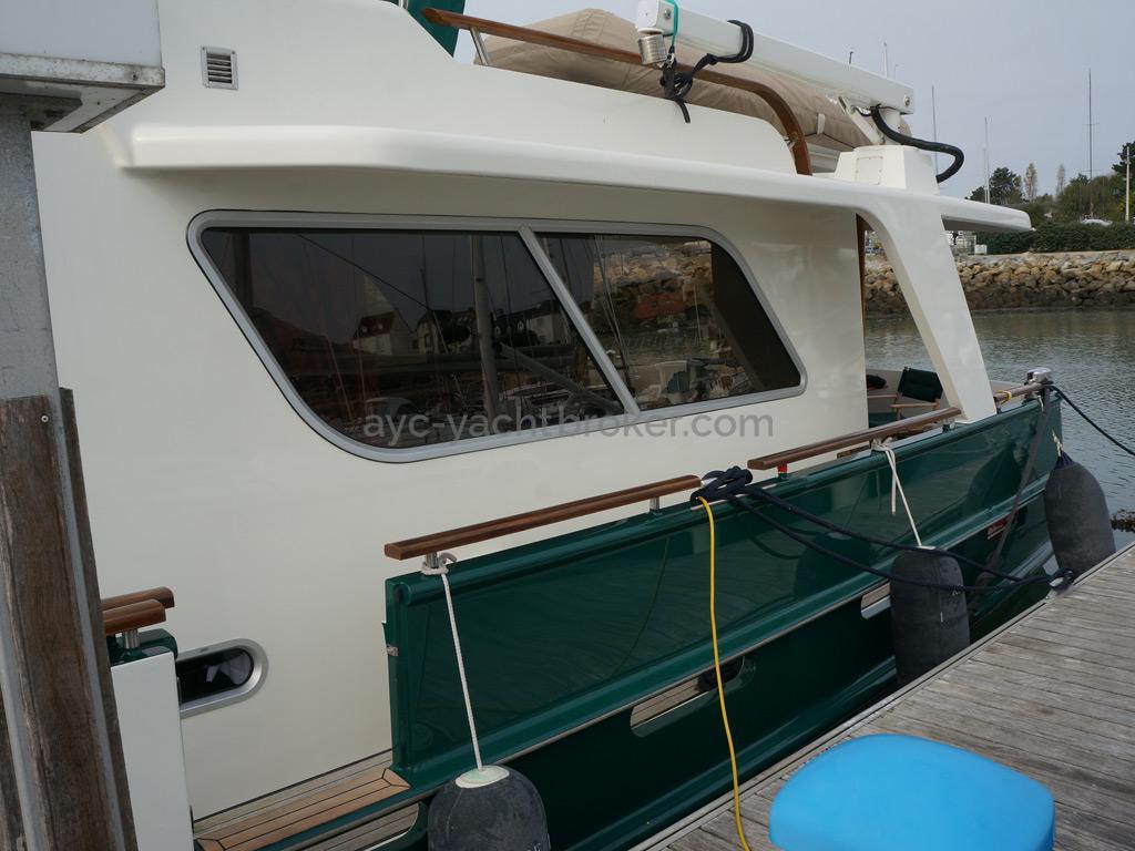 Searocco 1500 Trawler - Passavant et porte de coupée