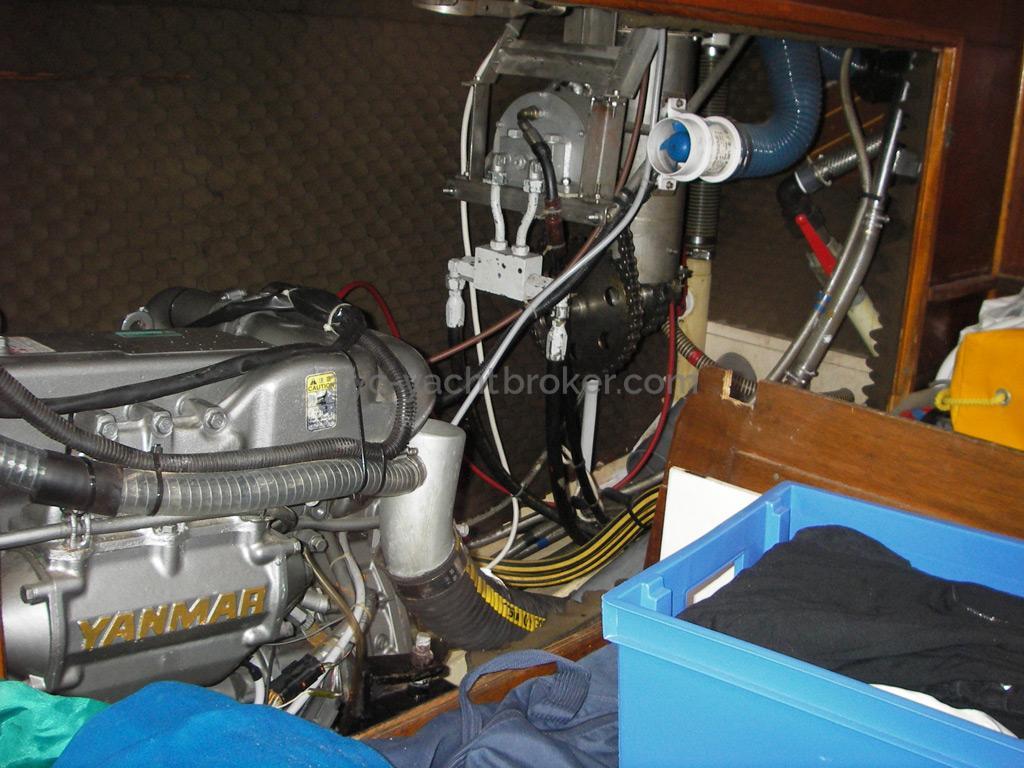 AYC Yachtbroker - Gael 43 - Cale moteur