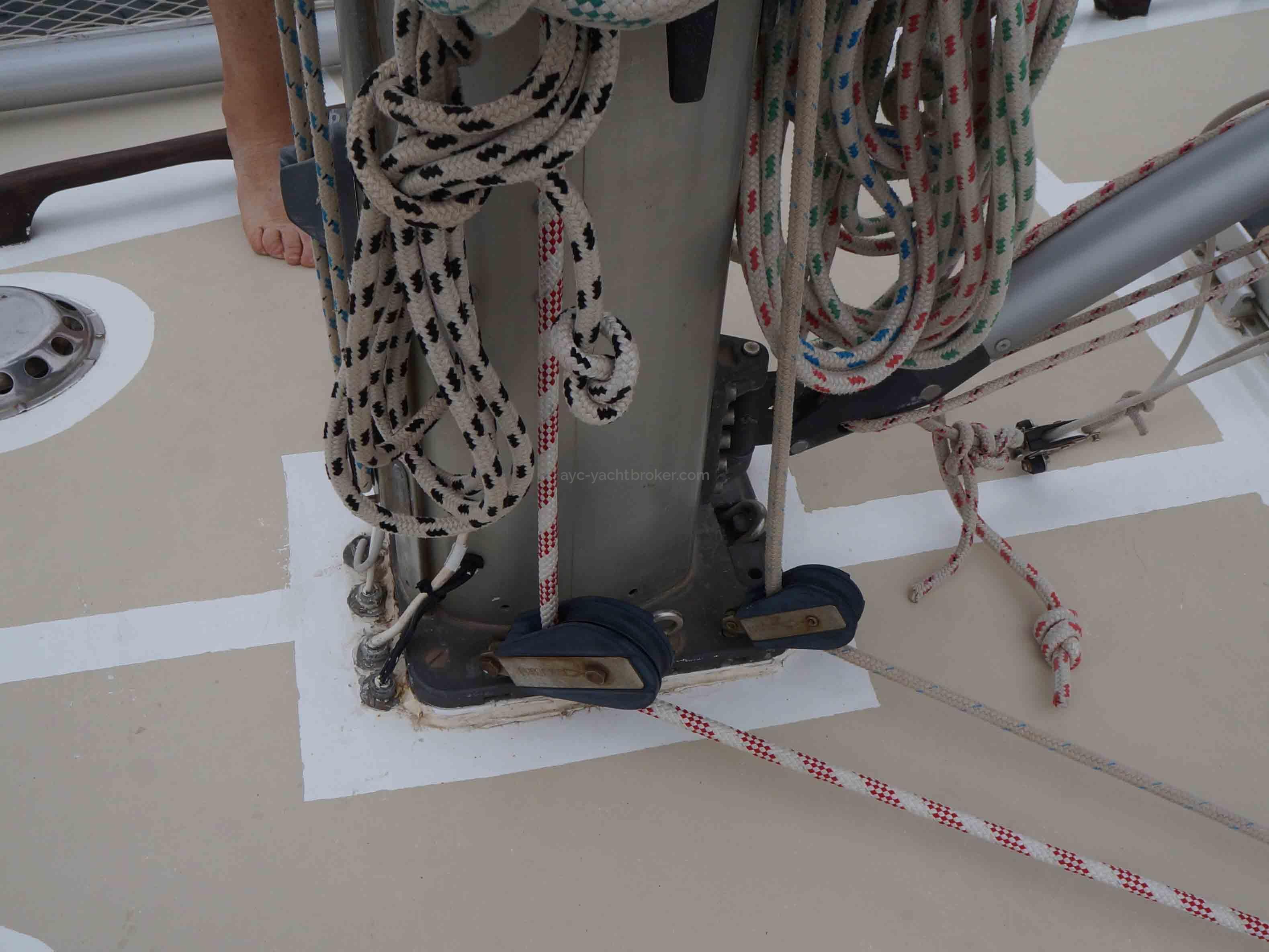AYC YachtBroker - pied de mât
