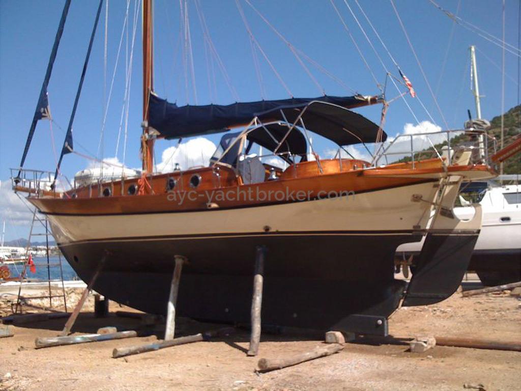 AYC Yachtbroker - Tirhandil 14.70 - Au sec