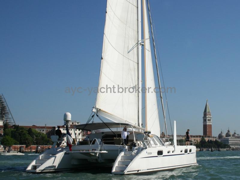 Catana 582 Caligo - Sous voiles à Venise