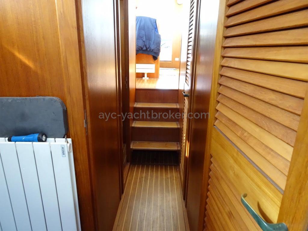AYC Yachtbrokers - Trawler Meta King Atlantique - Coursive
