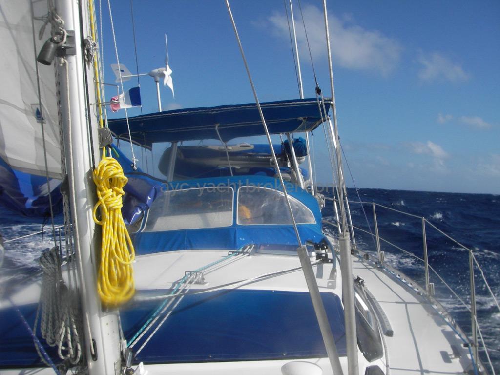 AYC Yachtbroker - Gael 43 - Rouf et pied de mât